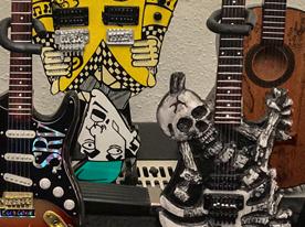 1/4-scale guitar replicas by Axe Heaven
